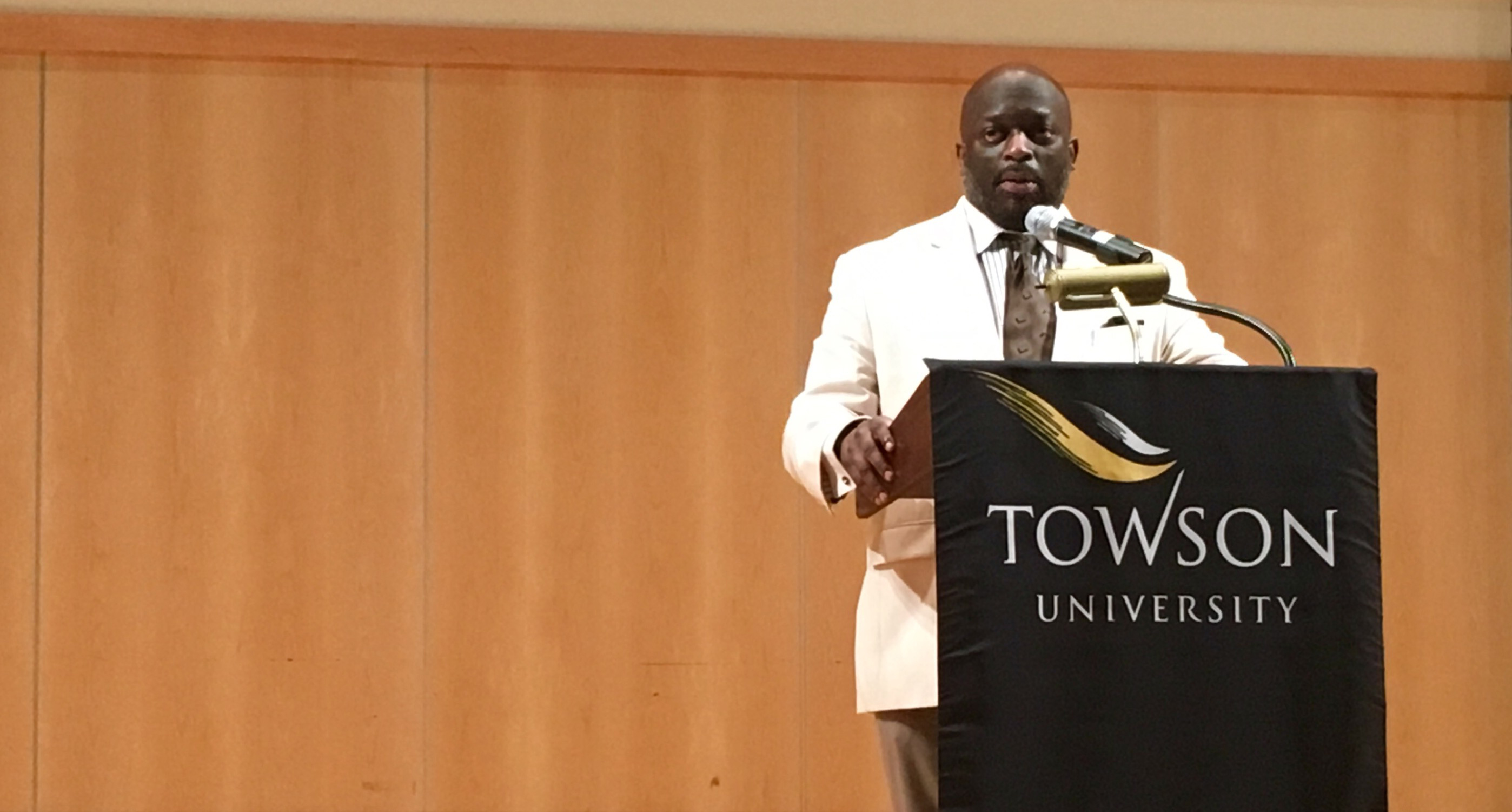 Jeff Ballou, the president of the National Press Club, addressed press freedom during a speech at Towson Thursday. Photo by Watta Camara.